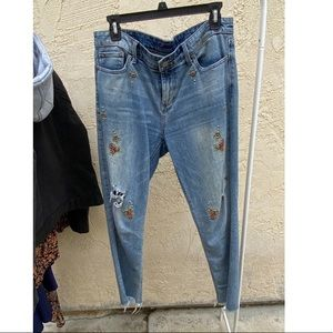 Luckys brand embroidered jeans